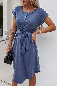 Sukienka IVET z okrągłym dekoltem w stylu casual