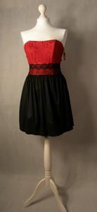 Sukienka Agnes gorsetowa