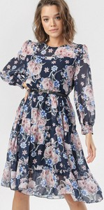Sukienka born2be w stylu casual trapezowa z długim rękawem