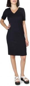Czarna sukienka Armani Jeans ołówkowa z krótkim rękawem z dekoltem w kształcie litery v