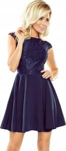 Granatowa sukienka NUMOCO z krótkim rękawem rozkloszowana mini