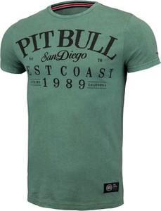 Zielony t-shirt Pit Bull z krótkim rękawem z bawełny w młodzieżowym stylu