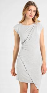 Sukienka Bench z krótkim rękawem w stylu casual asymetryczna