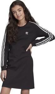 Czarna sukienka dziewczęca Adidas w paseczki z bawełny