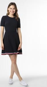 Sukienka Tommy Hilfiger z krótkim rękawem z okrągłym dekoltem