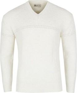 185db824 sweter z koszulą męski - stylowo i modnie z Allani