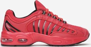Czerwone buty sportowe born2be sznurowane