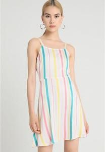 Sukienka TWINTIP na ramiączkach z okrągłym dekoltem w stylu casual