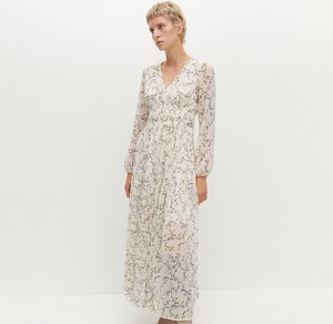 Sukienka Reserved w stylu boho z dekoltem w kształcie litery v z długim rękawem