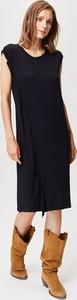 Czarna sukienka FEMESTAGE Eva Minge z okrągłym dekoltem midi