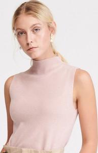 Różowy top Reserved w stylu casual