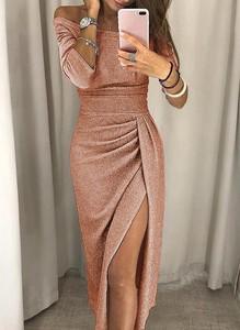 Różowa sukienka Sandbella w stylu glamour z długim rękawem