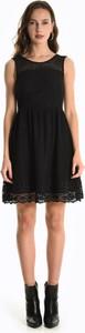 Czarna sukienka Gate rozkloszowana bez rękawów mini