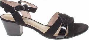Czarne sandały Soft Line na niskim obcasie ze skóry