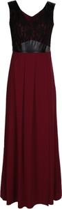 Czerwona sukienka Fokus z dekoltem w kształcie litery v w stylu klasycznym maxi