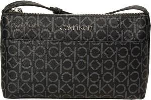 Czarna torebka Calvin Klein ze skóry ekologicznej w młodzieżowym stylu z nadrukiem