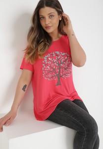 Różowy t-shirt born2be z okrągłym dekoltem z krótkim rękawem