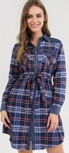 Granatowa sukienka born2be z długim rękawem w stylu casual