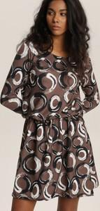 Sukienka Renee w stylu casual z długim rękawem mini