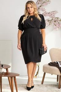 Czarna sukienka KARKO z tkaniny z dekoltem w kształcie litery v w stylu casual