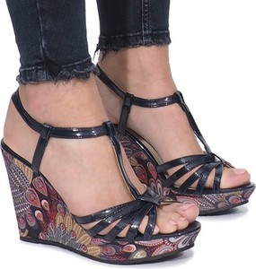 Czarne sandały Gemre z klamrami