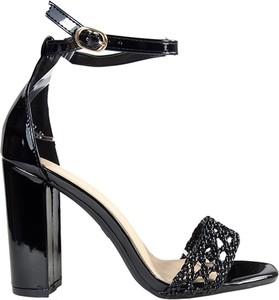 Sandały Kokietki z klamrami