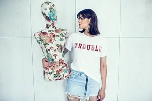 T-shirt Endoftheday w młodzieżowym stylu