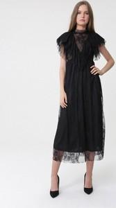 Czarna sukienka born2be maxi rozkloszowana