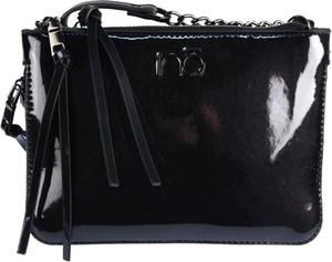 Czarna torebka NOBO w stylu glamour lakierowana