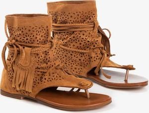 Brązowe sandały Royalfashion.pl w stylu casual z płaską podeszwą