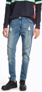 Niebieskie jeansy Gate