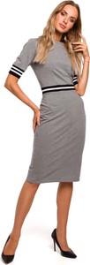 Sukienka MOE z bawełny w stylu casual dopasowana