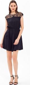 Czarna sukienka Gate mini bez rękawów
