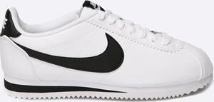 Buty sportowe Nike Sportswear w młodzieżowym stylu ze skóry ekologicznej sznurowane