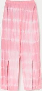 Różowe spodnie dziecięce Reserved