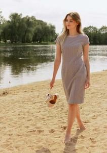 Sukienka Far Far Łódź z krótkim rękawem z okrągłym dekoltem z tkaniny