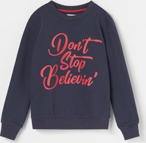 Granatowa bluza dziecięca Reserved z bawełny