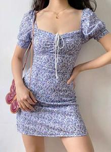 Sukienka Arilook w stylu casual mini z okrągłym dekoltem