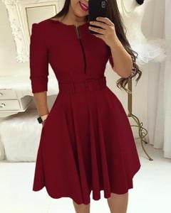 Sukienka Kendallme mini z okrągłym dekoltem w stylu casual