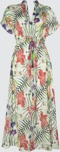 Sukienka Trendyol z krótkim rękawem w stylu casual