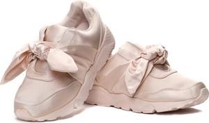 Buty sportowe Royalfashion.pl w sportowym stylu