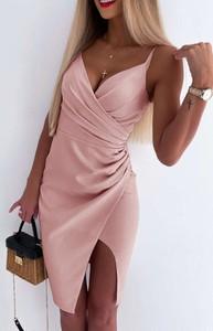 Różowa sukienka Arilook z dekoltem w kształcie litery v mini asymetryczna