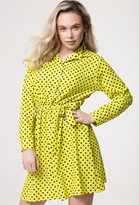 Żółta sukienka born2be z kołnierzykiem