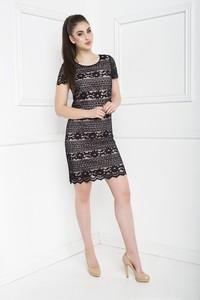 Czarna sukienka Marcelini z krótkim rękawem prosta