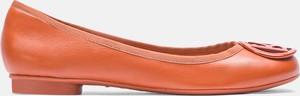 Pomarańczowe baleriny Kazar z płaską podeszwą