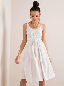 Sukienka Sheandher.pl rozkloszowana z dekoltem w kształcie litery v