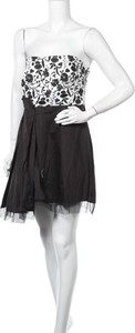 Sukienka Suite Blanco bez rękawów z okrągłym dekoltem mini