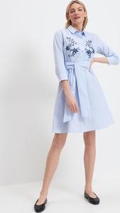 Niebieska sukienka Mohito mini z długim rękawem z kołnierzykiem
