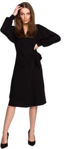 Czarna sukienka MOE z bawełny z długim rękawem