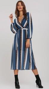 Sukienka Renee z dekoltem w kształcie litery v kopertowa z długim rękawem